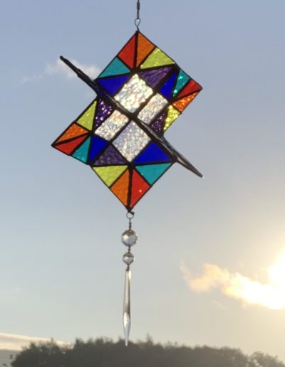 Stained glass spinner